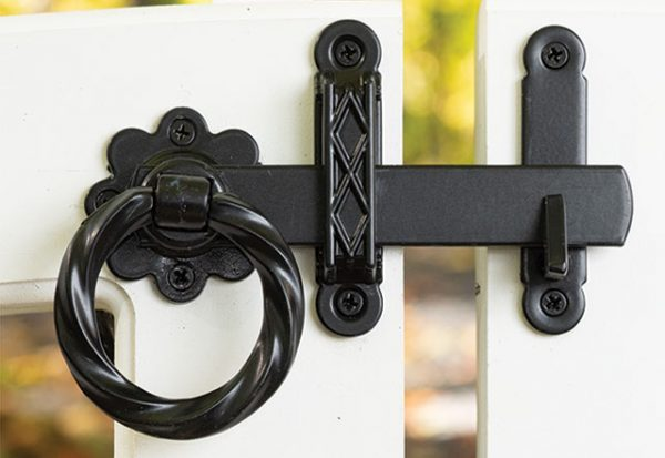 Twisted Rings Latch